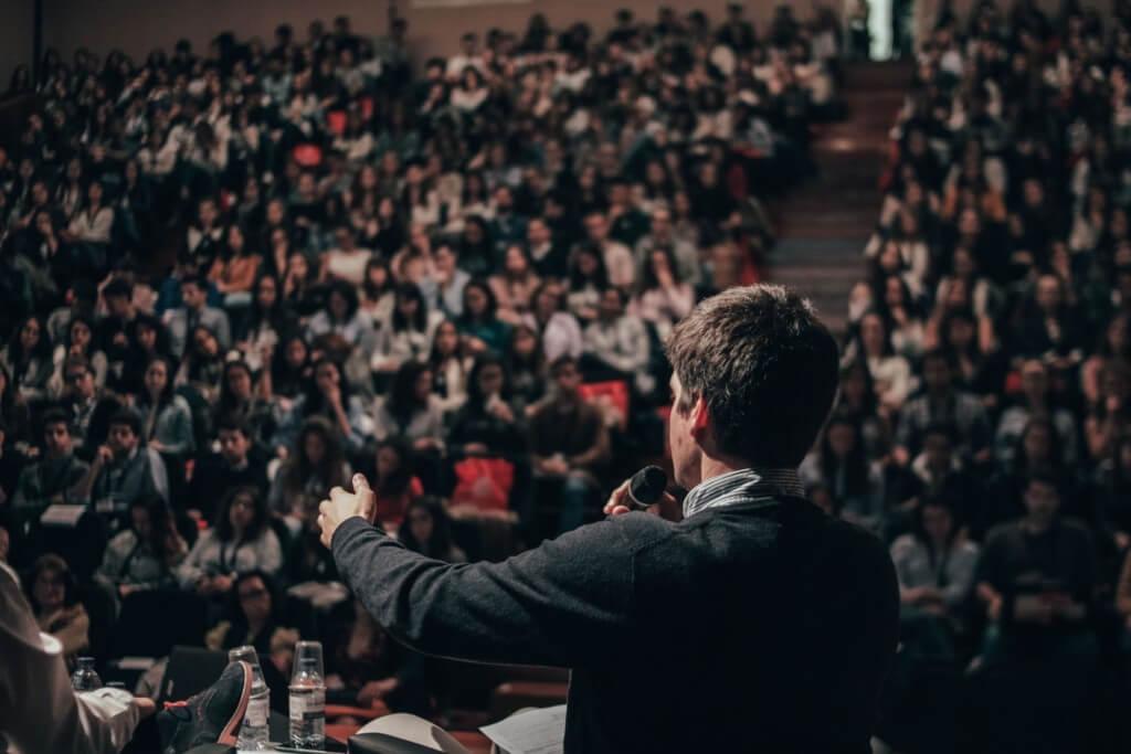 「教育には社会を変える力がある」教育と探求社 代表取締役社長 宮地の起業物語①