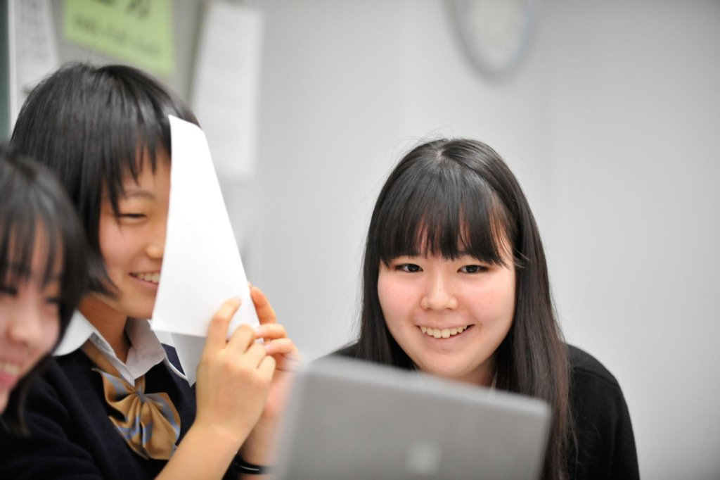 生徒の心をどのように惹きつけ、どのように学びを起こすのか。探究学習プログラム「クエストエデュケーション」に設計された学びのデザイン。 ~第1回 社会課題を解決する「ソーシャルチェンジ」。活動に向かうモチベーションを設計する~